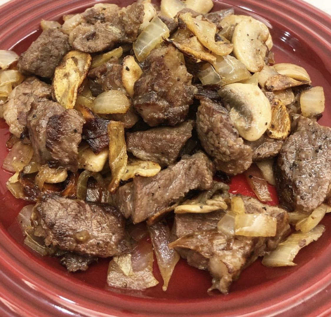 蒜片黑椒牛肉粒