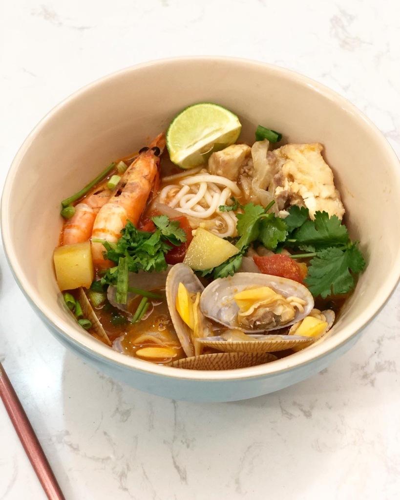 蕃茄海鮮魚湯米線