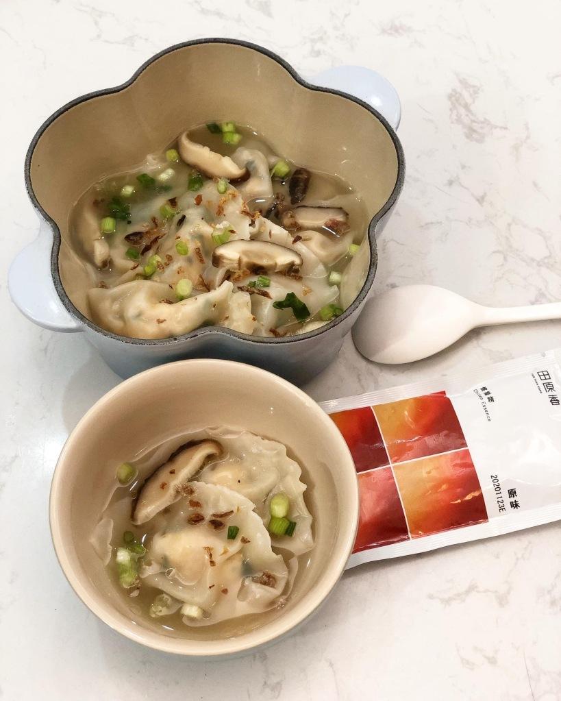 雞肉香菇滴雞精水餃